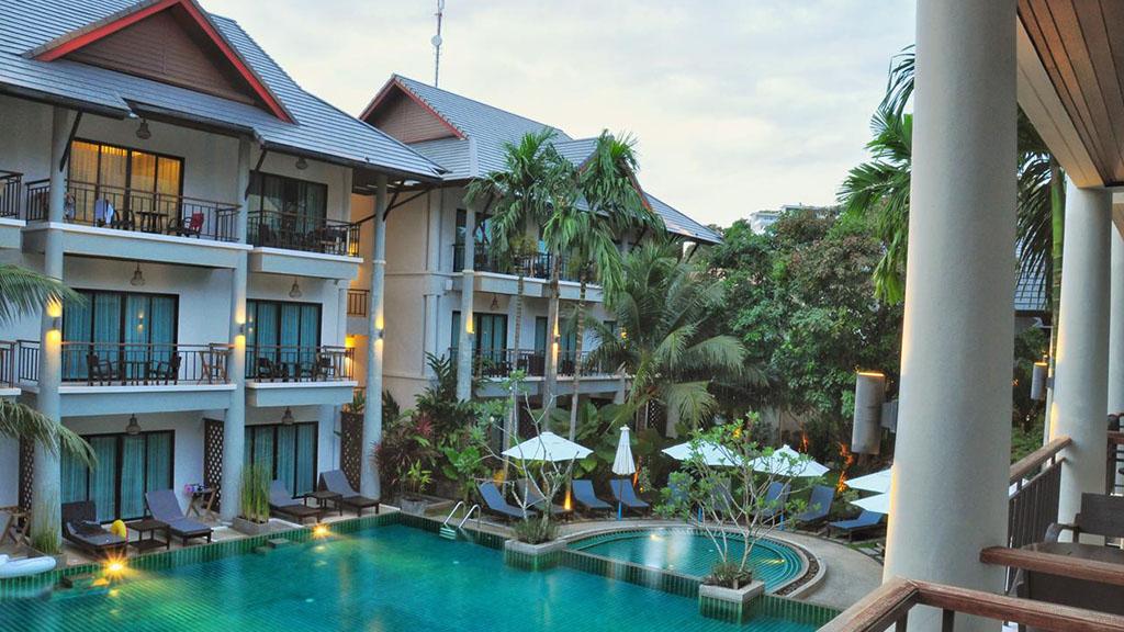 Navatara Phuket Resort Balkonblick- Fitnessreisen für Reiseathleten
