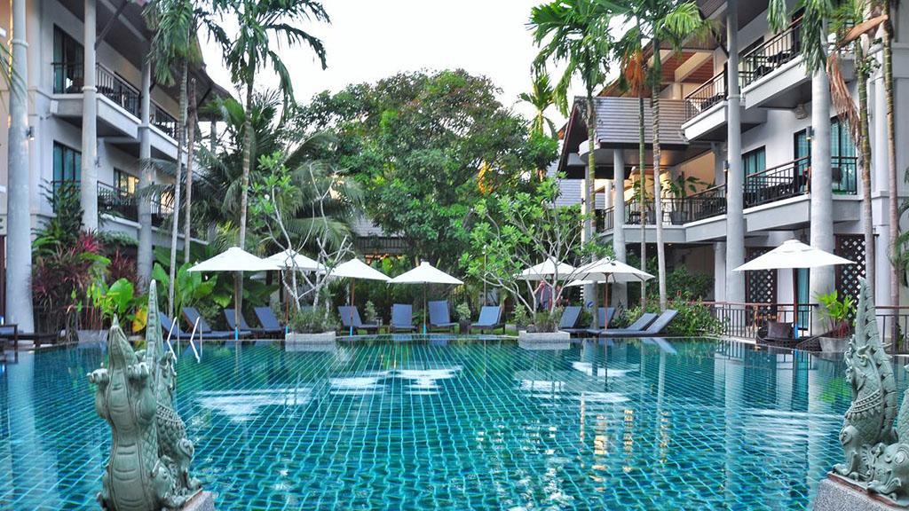 Navatara Phuket Resort Pool - Fitnessreisen für Reiseathleten