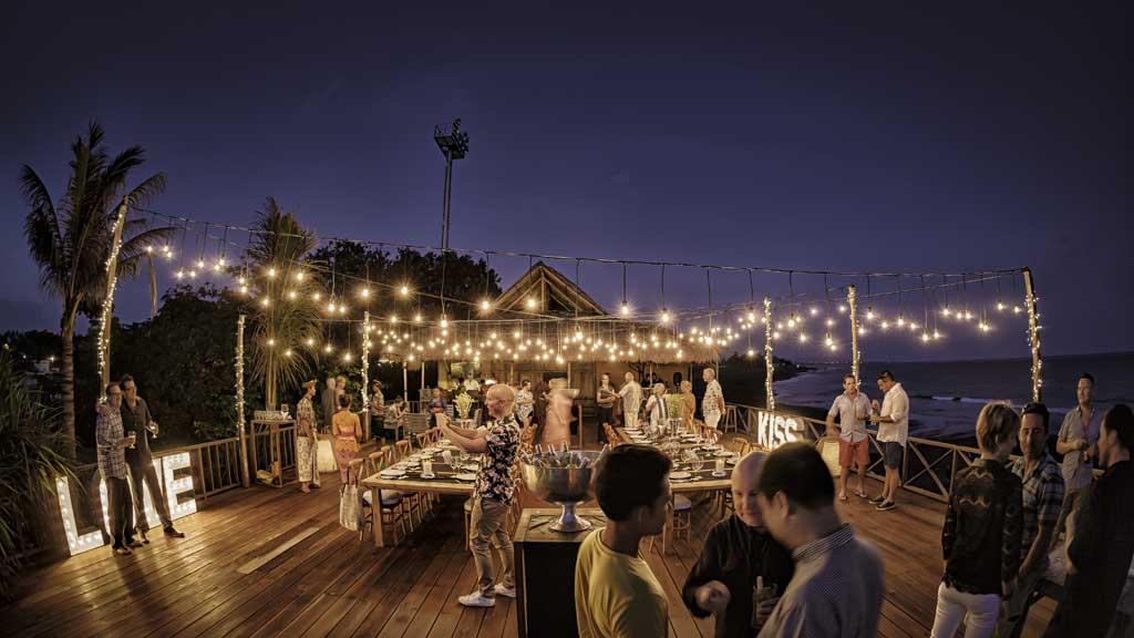 Abendgestaltung - Komune Resort & Beach Club auf Bali - Fitnessurlaub auf Bali für Reiseathleten