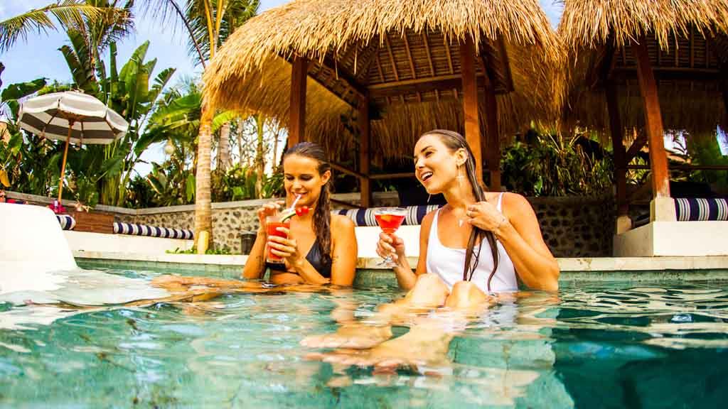 Pool - Komune Resort & Beach Club auf Bali - Fitnessurlaub auf Bali für Reiseathleten