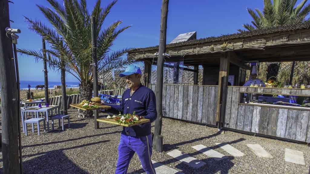 Chiringuito - Paradis Plage Surf Yoga & Spa Resort - Fitnessurlaub mit Reiseathleten - Marokko Plage
