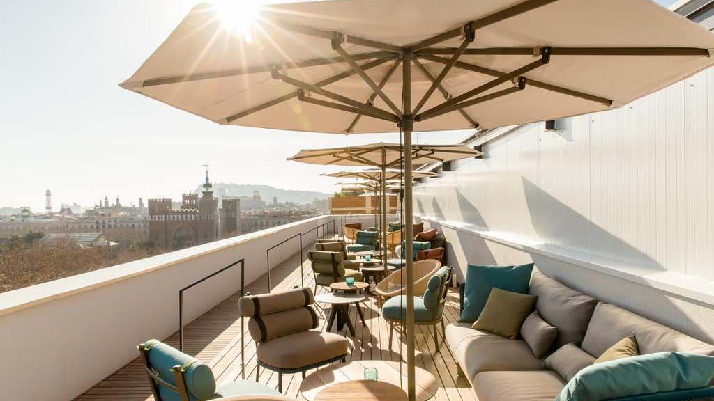 Hotel Motel One Barcelona-Ciutadella - Dachterrasse - Fitnessurlaub Barcelona - Fitnessurlaub für Reiseathleten