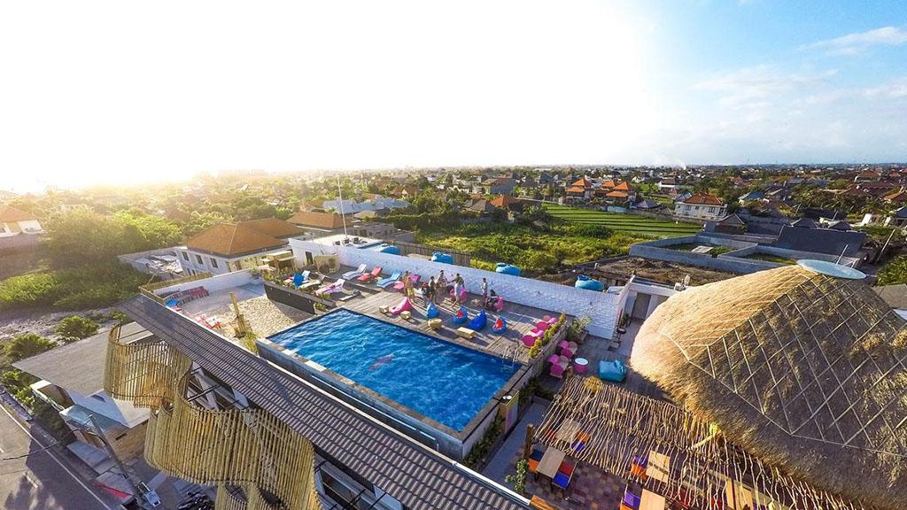 Koa D` Surfer Hotel Rooftop Pool - Fitness Urlaub - Fitnessreisen mit Reiseathleten