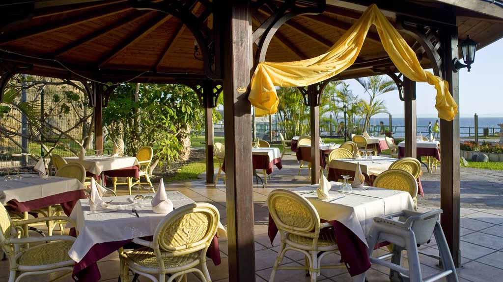 Restaurant vom Hotel Jardin Caleta - Fitnessurlaub im weltbekannten Tenerife Top Training & CrossFit Survive Top Training - Fitnessurlaub Teneriffa