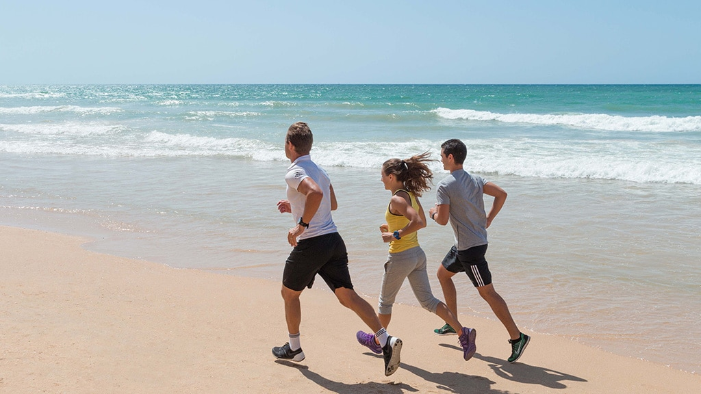 Pine Cliffs Retreat Personal Training am Strand - Fitnessreisen für Reiseathleten