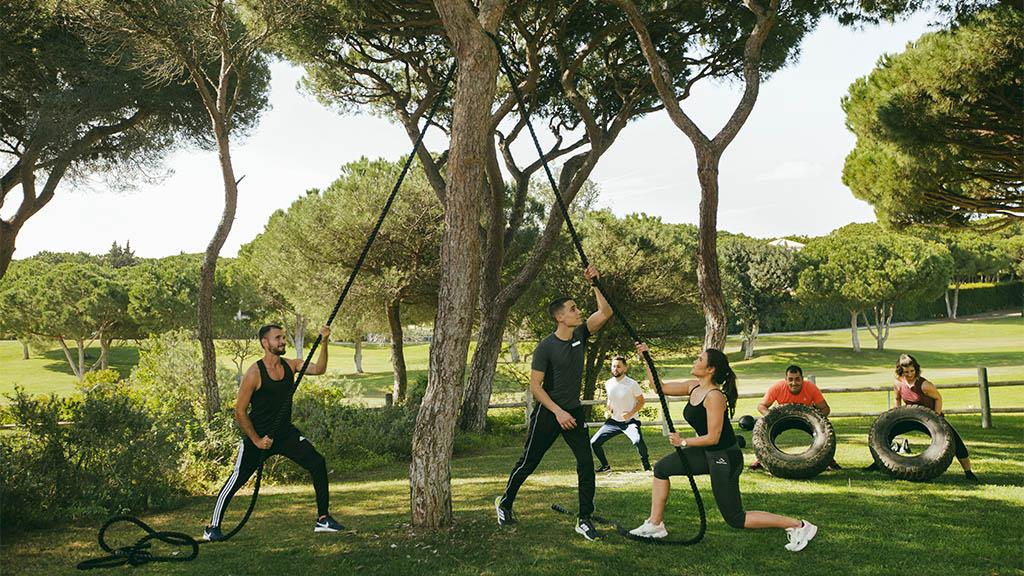 Zahlreiche Fitnesskurse - Indoor & Outdoor Workouts - Fitnessreisen für Reiseathleten
