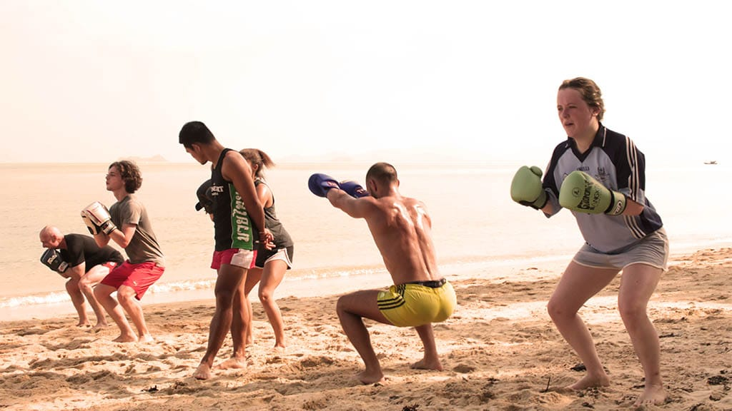 Beach Muay Thai Training - Fitnessreise Koh Samui - FitKoh - Fitnessurlaub Thailand für Reiseathleten