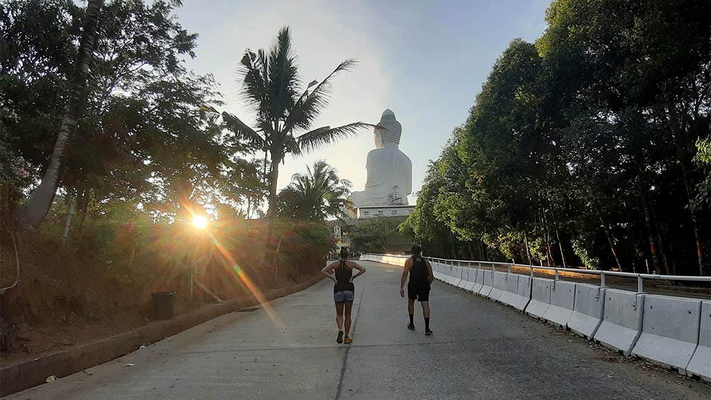 Big Buddha Run am Morgen im Titan Fitness Camp - Fitnessurlaub in Phuket, Thailand - Fitnessreisen für Reiseathleten