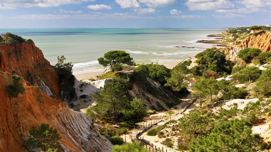 Falesia Beach Algarve Portugal - Pine Cliffs Resort - Fitnessurlaub Portugal für Reiseathleten