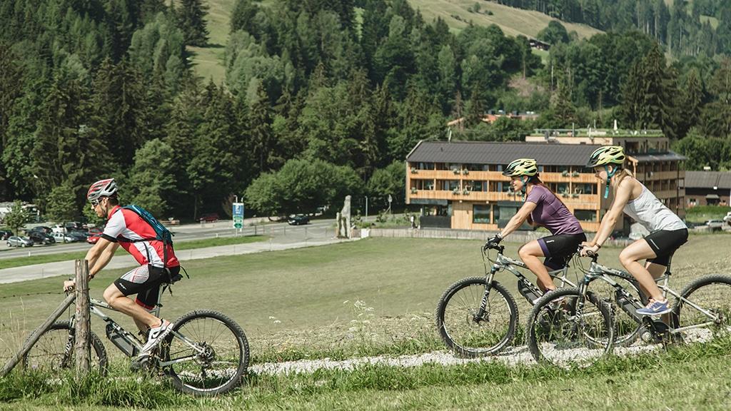 Fitness Retreat Österreich - Fitnessreisen für Reiseathleten - Fitnessurlaub Österreich Radfahren in den Bergen