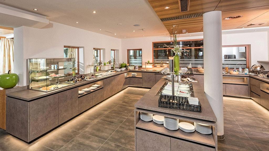 Fitnessurlaub in Österreich - Restaurant im Hotel 4 Jahreszeiten Pitztal - Fitnessreisen für Reiseathleten