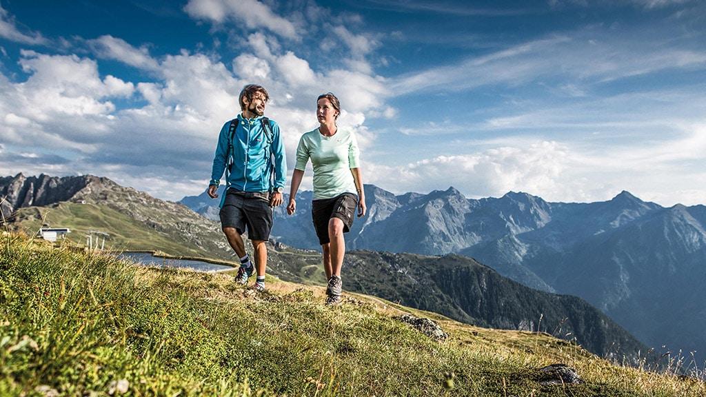 Fitnessurlaub in Österreich - Wandern mit Bergsicht Hotel 4 Jahreszeiten Pitztal - Fitnessreisen für Reiseathleten