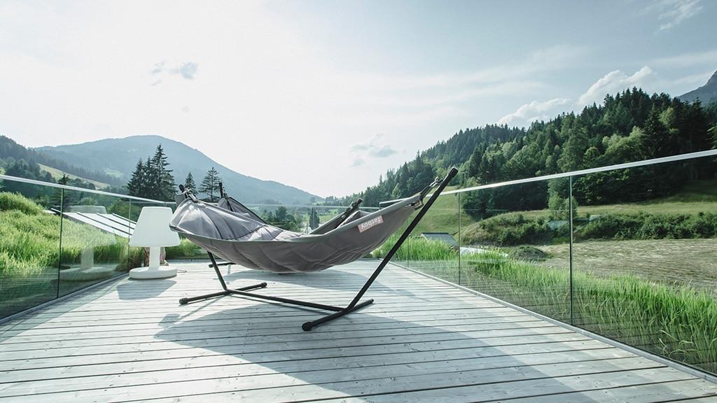 Hotel mama thresl Leogang Outdoor Lounge- Fitnessurlaub in Österreich - Fitnessreisen für Reiseathleten