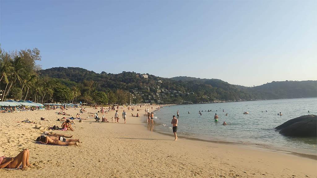 Kata Noi Beach im Westen von Phuket - Fitnessurlaub Phuket - Thailand - Fitnessreisen für Reiseathleten