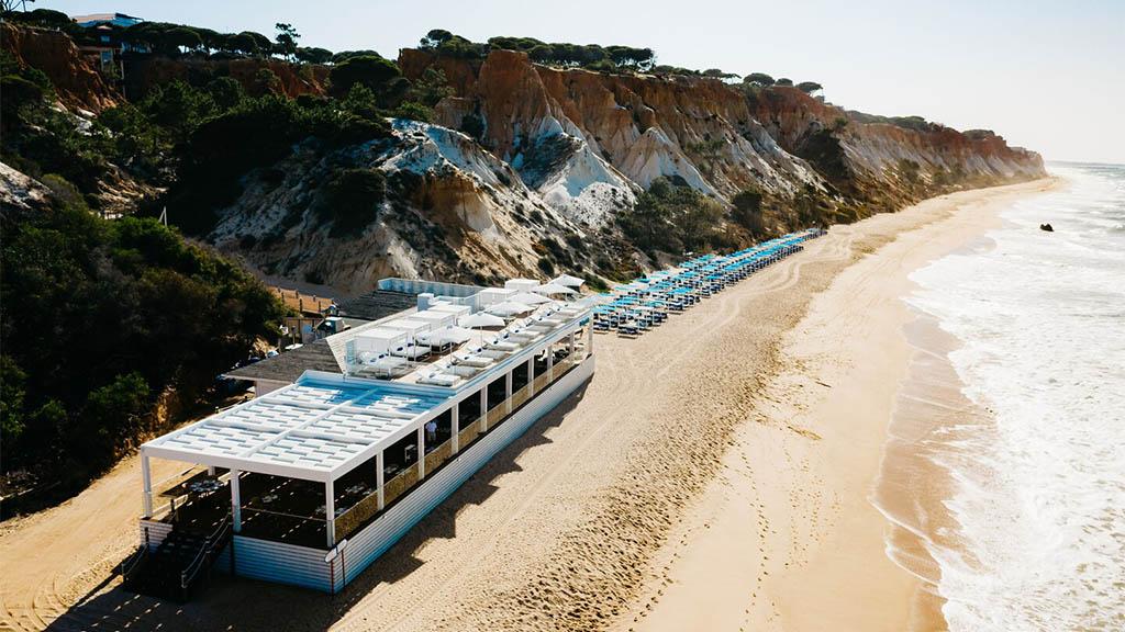 Restaurant und Beach Club - Mare Pine Cliffs - Fitnessurlaub Portugal - Fitnessreisen für Reiseathleten
