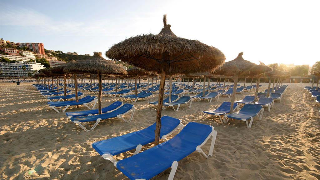 Strand von Santa Ponsa, Mallorca - Genieße den weichen, weißen Sandstrand