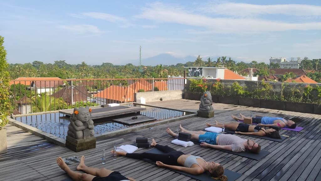 Yoga im Purana Boutique Resort Ubud Bali - Fitnessurlaub Bali - Fitnessreisen für Reiseathleten